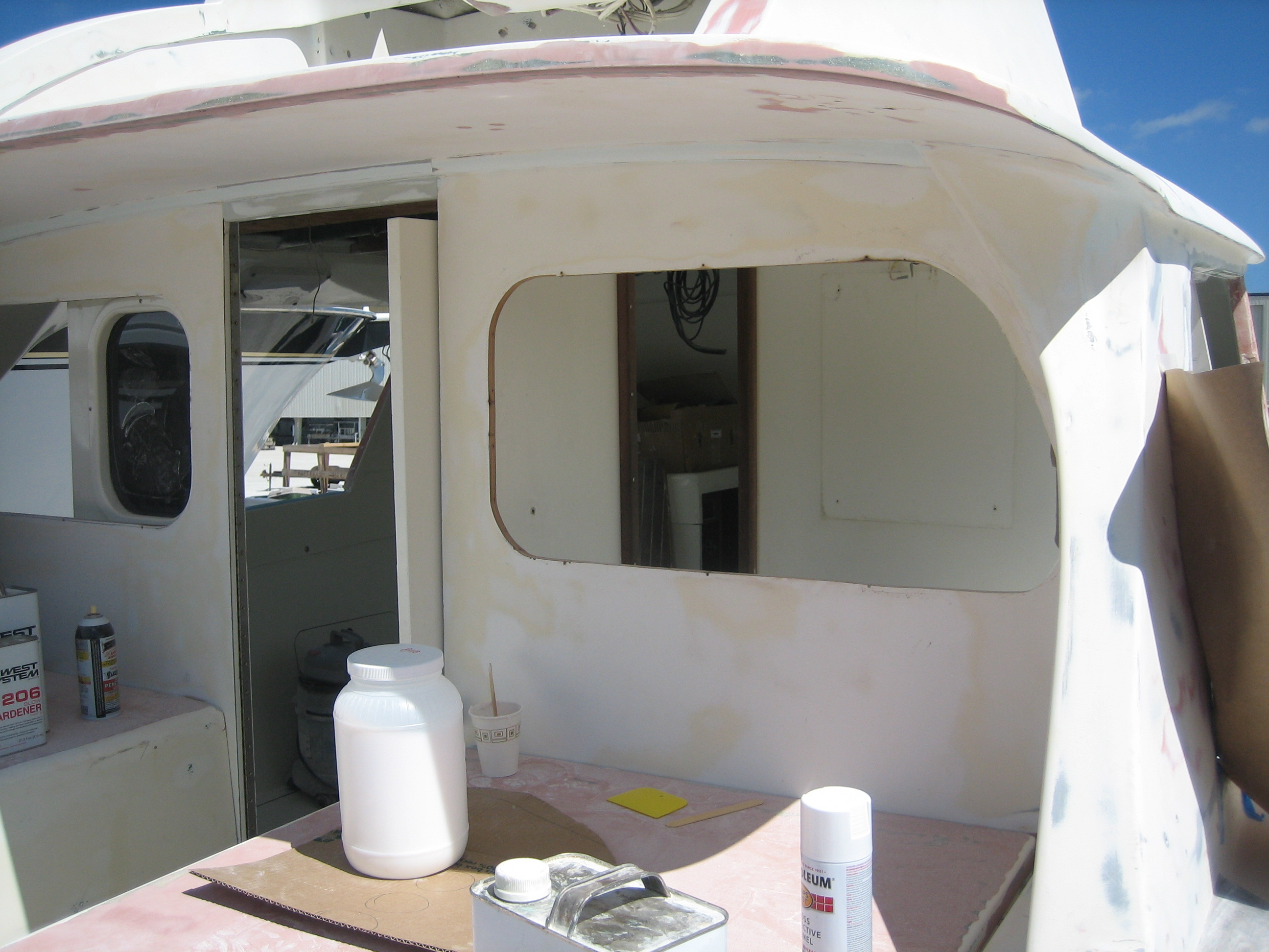 Bertram 31′ Bulkhead Window