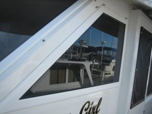 Hatteras Motor Yacht 53' Boat Windows